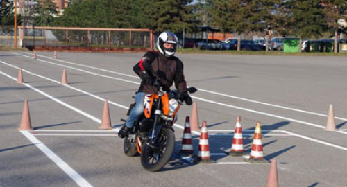 Quale patente serve per guidare le moto?